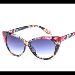 🌺Last Two!!! Tropical Cat Eye Sunglasses🌺